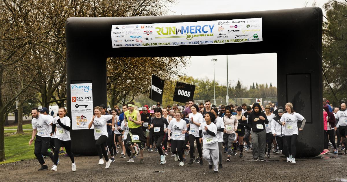 2019 California Run for Mercy 5K starting line