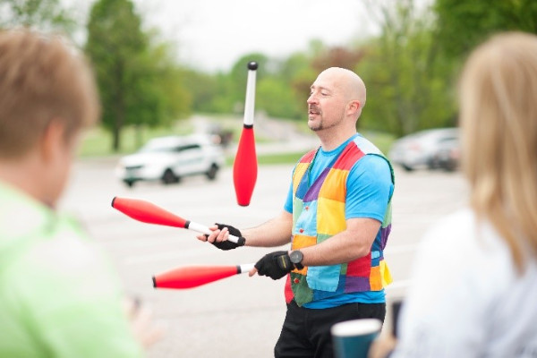 Juggling Jeff at the 2019 Run for Mercy 5K & Family Walk in St. Louis